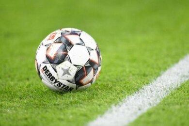 Der Nordostdeutsche Fußball-Verband (NOFV) stellt ab Montag seinen Spielbetrieb ein.