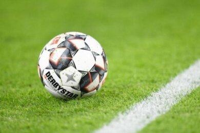 Fußball-Regionalligist VfB Auerbach hat sein Auswärtsspiel am Mittwochabend beim SV Lichtenberg 47 mit 2:3 (2:1) verloren.