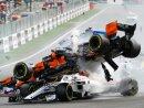 Fernando Alonso flog über den Wagen von Charles Leclerc