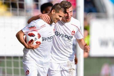 Elias Huth (r.) wechselt auf Leihbasis vom 1. FC Kaiserslautern nach Zwickau.