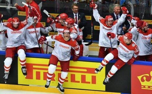 Die Dänen feiern einen knappen Sieg gegen Finnland