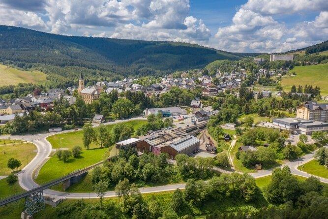Oberwiesenthal am Fichtelberg: Wohngebiete sind so gut wie ausverkauft. Neues Bauland zu erschließen gestaltet sich schwierig.