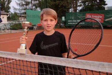 Phil Oehmigen vom 1. TC Zwickau hat sein Talent beim Ost-Masters in Dresden unter Beweis gestellt.