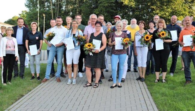 Die Preisträger aus dem Erzgebirgskreis. Insgesamt beteiligten sich 52 Vereine am Ideenwettbewerb.