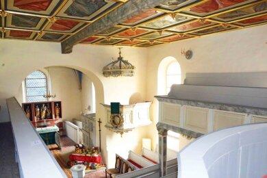 Blick in die restaurierte Kirche in Niederalbertsdorf. Die meisten Arbeiten sind abgeschlossen.