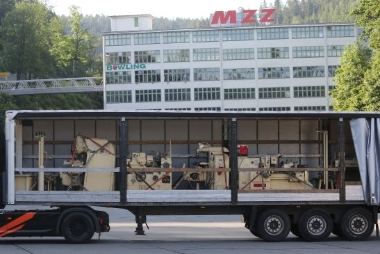 Nach 30 Jahren kehren die Maschinen von ihrem letzten Standort in Hohndorf nach Zschopau ins ehemalige MZ-Stammwerk zurück.