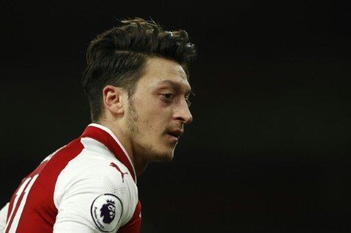 Berater kämpft für Mesut Özil