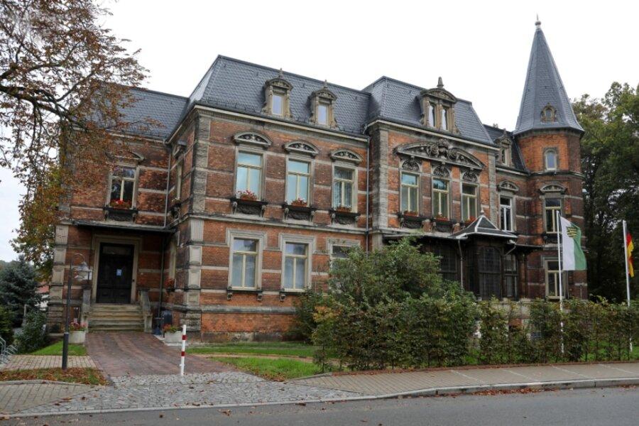 Blick zur Gemeindeverwaltung in Remse. Das Büro des Bürgermeisters befindet sich in der ersten Etage. Wer dort künftig Platz nimmt, entscheidet sich am 23. Januar 2022.