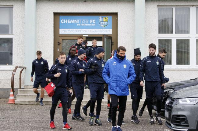 Trainingsauftakt bei CFC: Mit 22 Spielern ging es los.