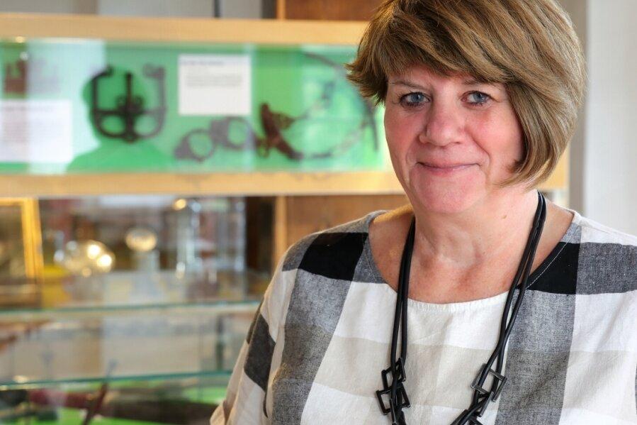 """""""Rekordhalterin"""" im Team des Schwarzenberger Museums: Anette Barth. Seit nunmehr vier Jahrzehnten ist sie in der Einrichtung tätig, die seit 2014 den Namen """"Perla Castrum - ein Schloss voller Geschichte"""" trägt."""
