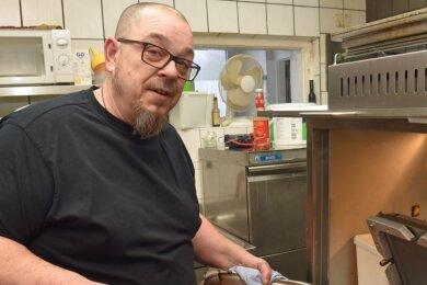 In der Gaststätte Höckericht Augustusburg unterbreitet Inhaber und Koch Heiko Küchler in Corona-Tagen Aktionsangebote.