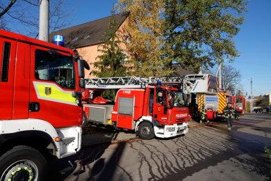 Eine Person ist bei einem Wohnungsbrand in Chemnitz schwer verletzt worden.