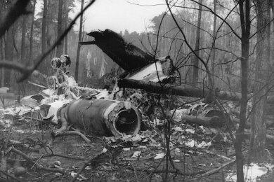 Die Trümmer der am 12. Dezember vor 34 Jahren abgestürzten Aeroflot-Maschine. Dabei kamen kurz vor Berlin-Schönefeld elf Menschen ums Leben, die vor allem als Ingenieure in Karl-Marx-Stadt gearbeitet hatten.