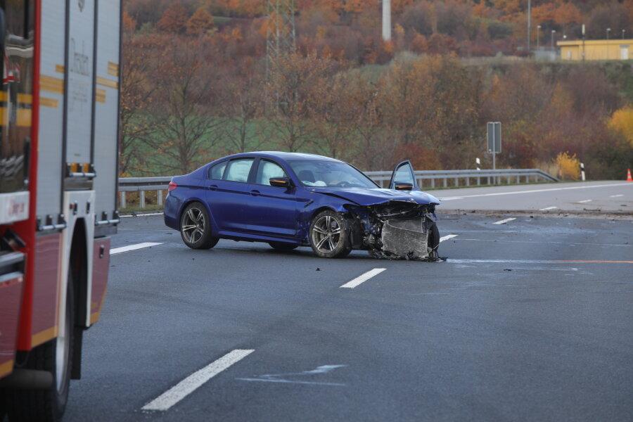 Verfolgungsjagd auf A17 bei Dresden endet mit Unfall