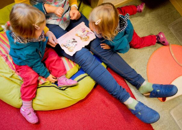Für Eltern im Schichtdienst ist es teils schwierig, ihre Kinder in die Kita zu bringen.