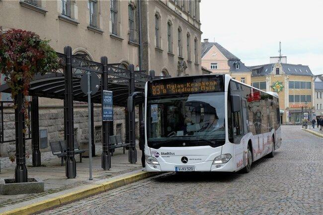 Die Bushaltestelle Postplatz wird künftig der zentrale Umsteigeknoten in der Innenstadt. Mit dem Fahrplanwechsel am 12. Dezember werden zugleich etliche Linien in und um Reichenbach verändert.