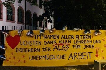 Das Dankeschön-Banner an der Lindgren-Schule in Frankenberg.