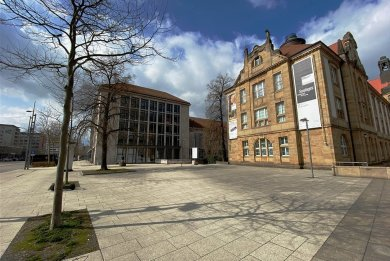 Der Platz an den Kunstsammlungen wird künftig Arthur-Weiner-Platz heißen.