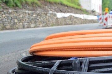 Zig Kilometer an Leitungen müssen verlegt werden, um das schnelle Internet zu gewährleisten.