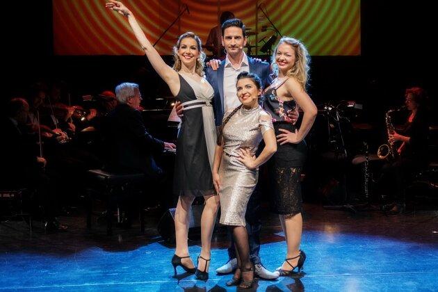 Am Sonnabend heißt es um 19.30 Uhr wieder Vorhang auf für »Broadway's Best« im König Albert Theater.