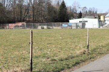 Auf diesem gemeindeeigenen Grundstück am Flöhatalradweg im Leubsdorfer Ortsteil Schellenberg sollen Wohnmobilstellplätze entstehen.