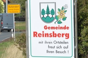 Was wird aus der Gemeinde Reinsberg? Hier das Ortseingangsschild aus Richtung Teichhäuser.