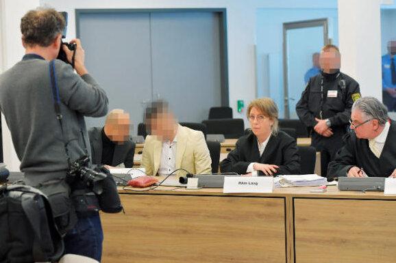 Chemnitz-Prozess: Polizei erfasst blutverschmierte Hände des Angeklagten nicht
