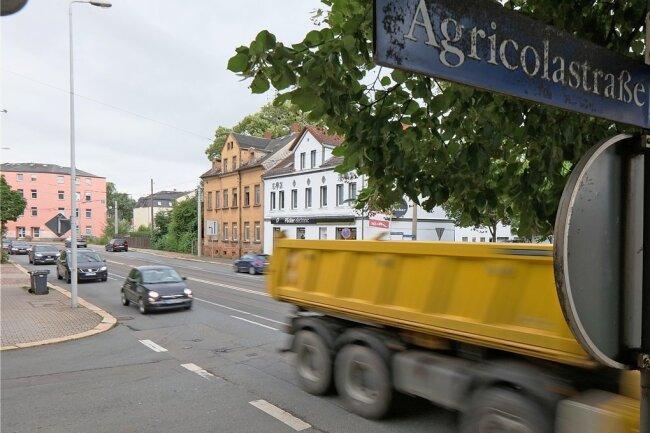 In den vergangenen drei Jahren hat es an der Kreuzung Marienthaler/Agricolastraße insgesamt 19 Kollisionen gegeben. Die Stadt überlegt nun, wie sie die Entwicklung stoppen kann.