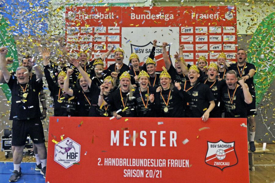 Aufsteiger! Die Handballerinnen aus Zwickau spielen nächste Saison wieder erstklassig.