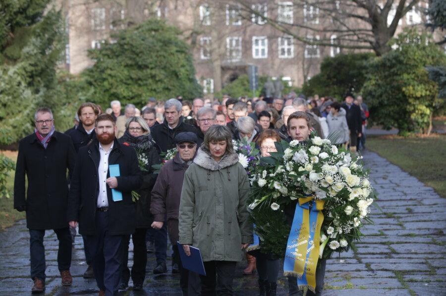 Erinnerung an Opfer des Holocaust: Redner betonen Verantwortung im Alltag