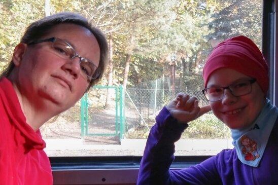 Cordelia Müller mit der zwölfjährigen Tochter Svenja