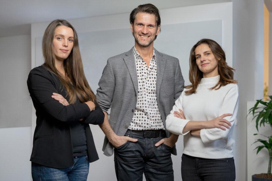 Pitch-Team (v. l. n. r.): Nadine Bengel (Senior Projektmanagerin Mindbox), Joerg G. Fieback (Geschäfts- führer Kreation zebra | group) und Sabine Kunze (Geschäftsstellenleiterin Mindbox)