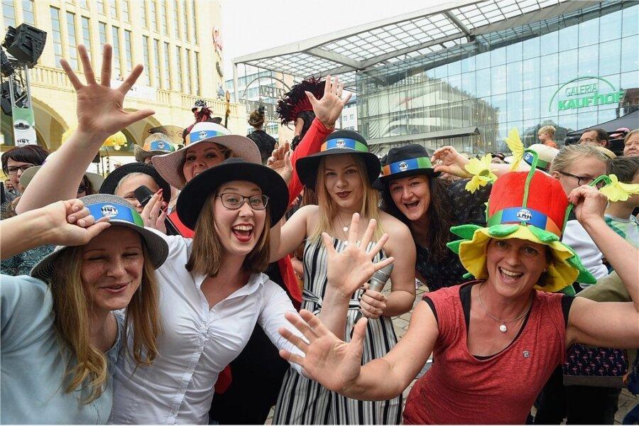 Junge Menschen bevorzugen das Leben in Städten, wie hier beim Chemnitzer Hutfestival im Jahr 2019.