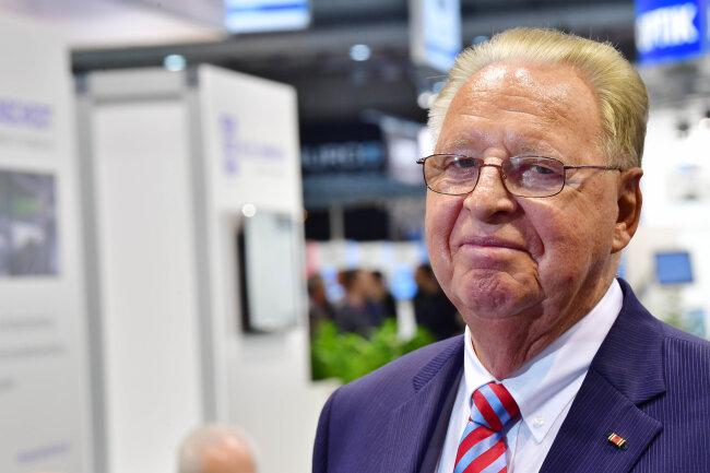 Hans J. Naumann, Geschäftsführender Gesellschafter der Niles-Simmons-Hegenscheidt-Gruppe, ist davon überzeugt, dass US-Präsident Donald Trump die USA voranbringt. Jungen Afroamerikanern traut er weit weniger zu. Aus freien Stücken würden die sich keine Zwänge auferlegen.