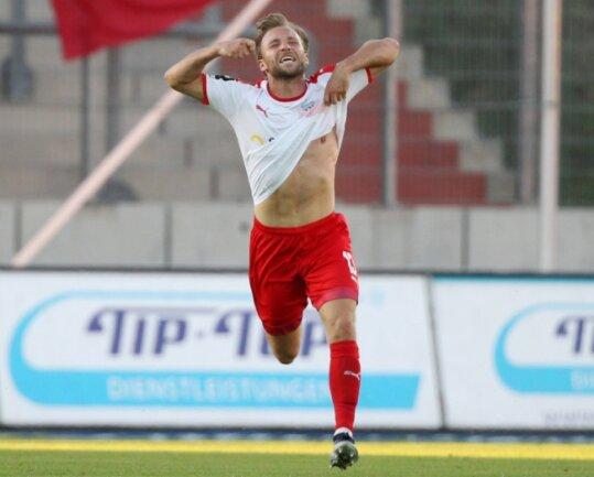 So feierte Mike Könnecke im Sommer 2020 das wichtigste seiner bislang sechs Tore für den FSV Zwickau.