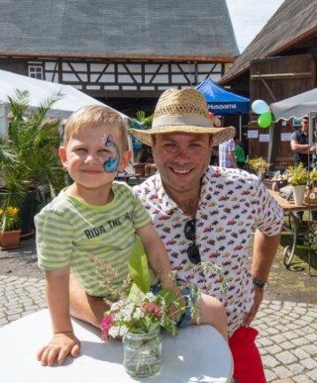 Georg Scheffler, mit Sohn Gustav hat auf dem Hof die Regie.