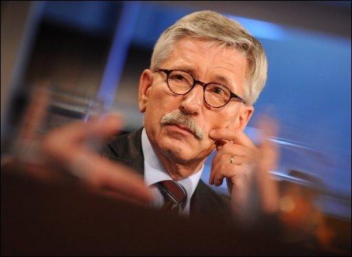 Die Bundesbank will bei Bundespräsident Christian Wulff die Abberufung ihres Vorstandsmitglieds Thilo Sarrazin beantragen. Diesen Schritt habe der Vorstand einstimmig beschlossen, teilte die Bundesbank in einer Erklärung in Frankfurt am Main mit.