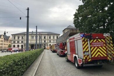 Die Feuerwehr Chemnitz war mit zahlreichen Einsatzkräften vor Ort.
