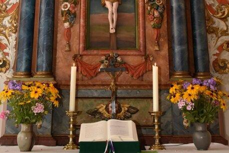Altar erstrahlt im neuem Glanz