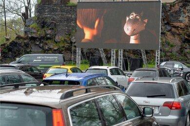 """20 Autobesatzungen sahen sich am Donnerstag den Film """"Drachenreiter"""" an. Foto: David Rötzschke"""