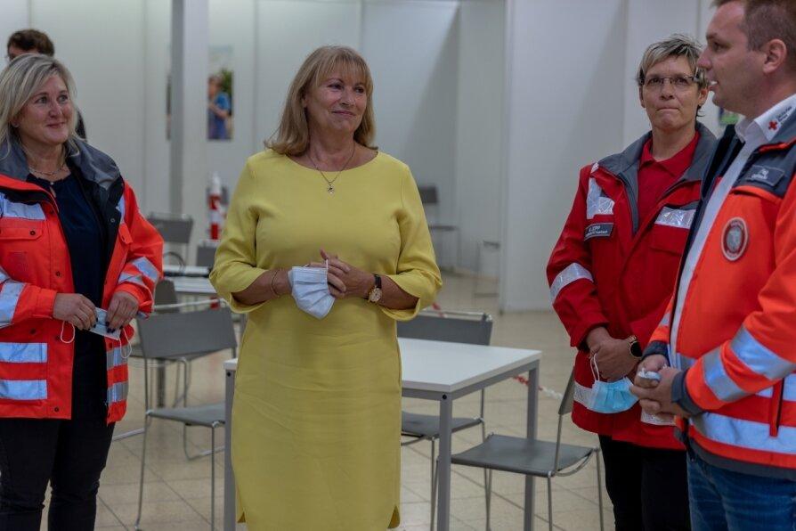 Sächsische Sozialministerin besucht Impfzentrum Eich