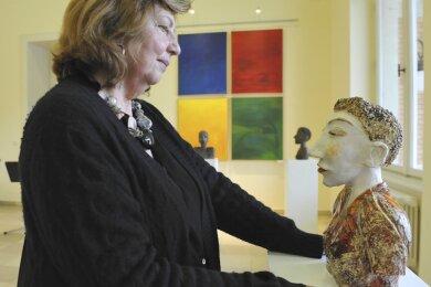 Edith Friebel-Legler zeigt ihre Skulpturen in der Sonderausstellung in der Domhofgalerie.