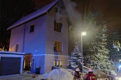 Das Haus an der Richard-Wagner-Straße ist nach dem Feuer im ersten Obergeschoss unbewohnbar.