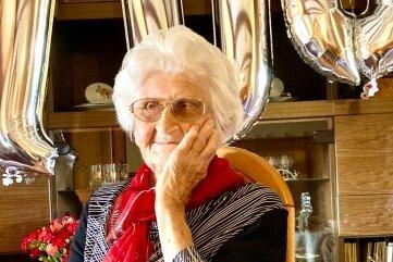 Käthe Nestler aus Lauter hat im Kreis ihrer Lieben einen besonderen Geburtstag gefeiert: Sie wurde am Sonnabend 100 Jahre alt.