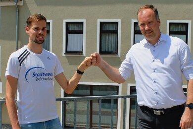 Gehören zu den Initiatoren der Fitness-Offensive: Langstreckler Sebastian Hendel (links) und Stadtwerke-Geschäftsführer Lars Lange.
