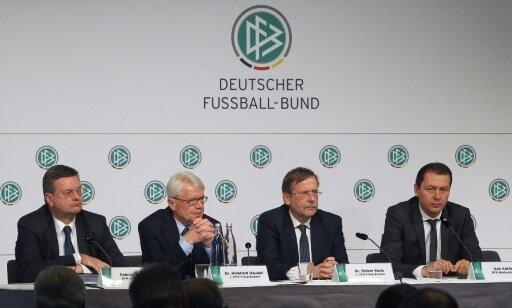 Ralf Köttker (r.) kritisiert den Verein Deutsche Sprache
