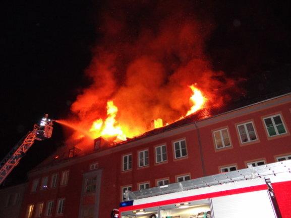 Am 1. Oktober brannte der Dachstuhl eines Hauses in Oelsnitz aus.