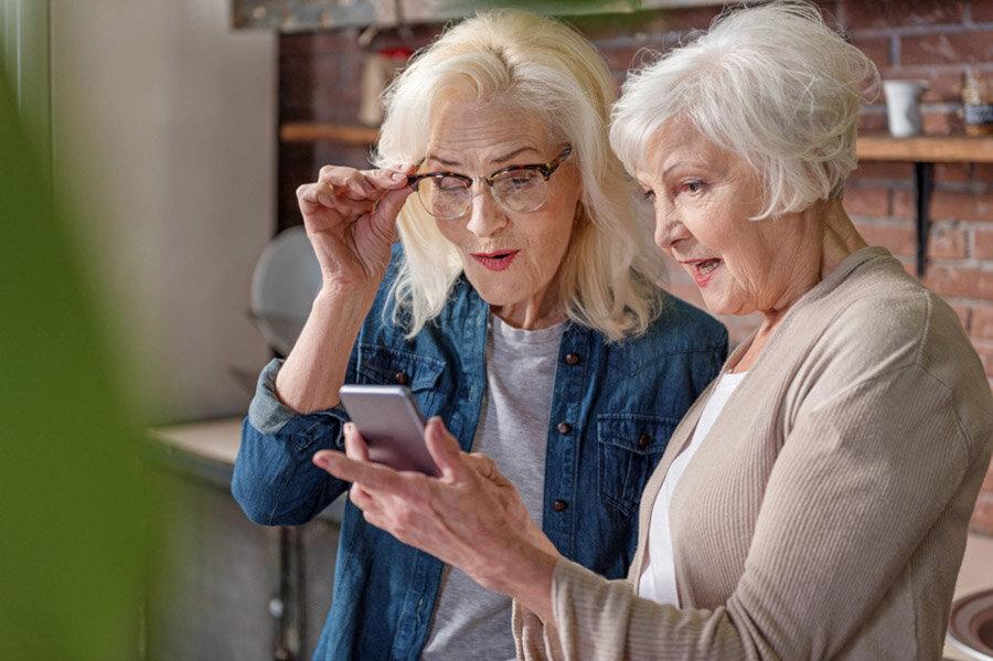 Gut vernetzt mit Senioren-Smartphone.