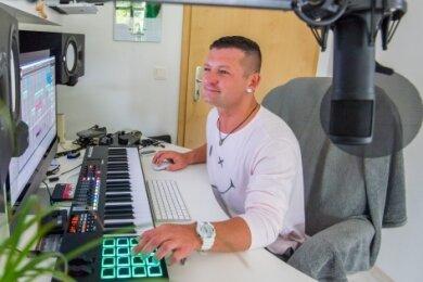 Andy LaToggo erreichte Platz 2 der Deutschen Pop-Charts.
