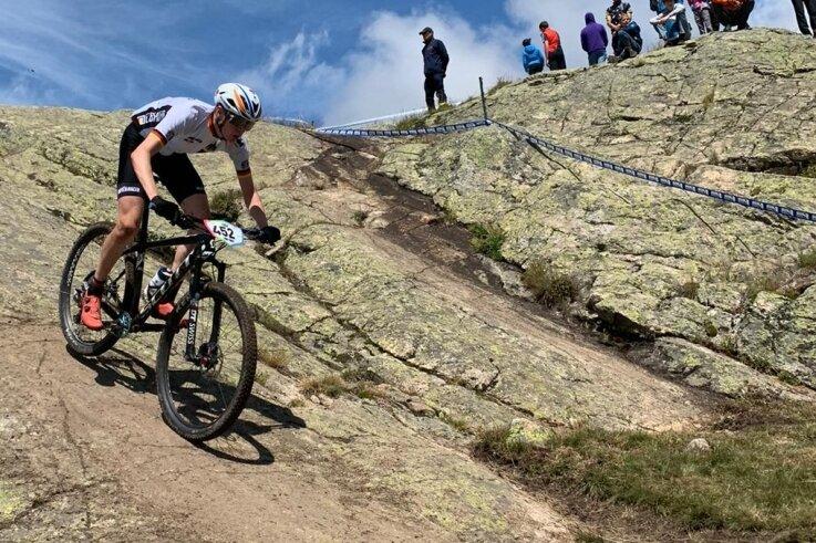 Der 16 Jahre alte Toni Albrecht - hier während des Cross-Country-Rennens - kam in Frankreich als bester Deutscher auf Rang 10.